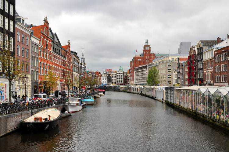 Are you thinking about moving to Netherlands? We give you 5 reasons why moving to Netherlands might be a good idea.